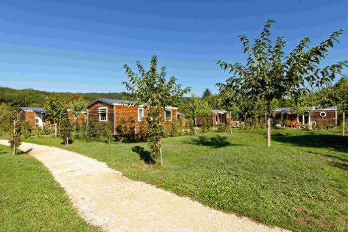 Camping Le Paradis - Images - Cottages