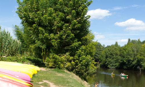 Rivière La Vézère est accessible directement du Camping Le Paradis